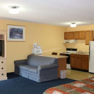 Suite Room with Kitchenette (2) (Custom)
